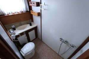 KANARYAM-Double-Cabin-Bathroom-1